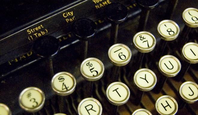typewriter-1415474